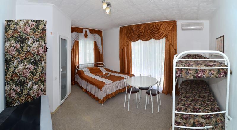 Отдых с детьми в Крыму - номер гостиницы Вояж
